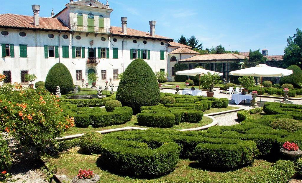 villa de clarinici
