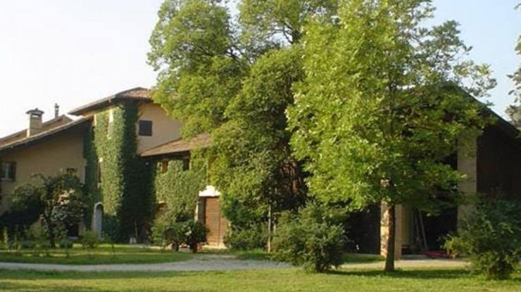 Casa Foffani e Cantina con giardino alberi