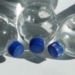 Bottiglie di plastica di acqua minerale
